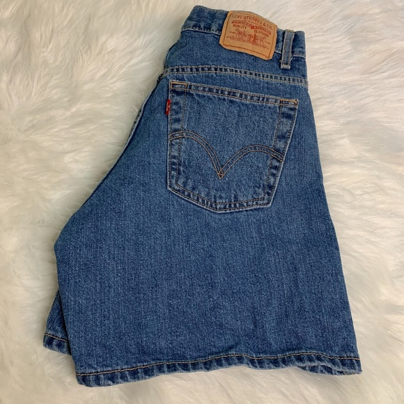 Levi's Relaxed 550 High Waisted Denim Shorts